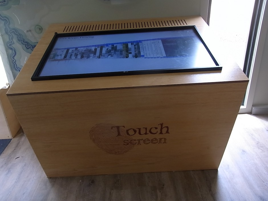 5 Rivers Touch Table